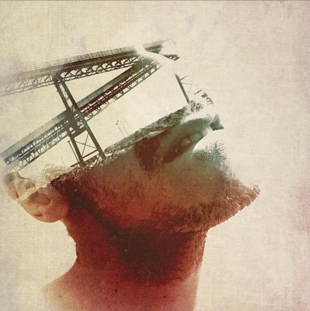 Homme et structure métallique Hiki Komorii Photography