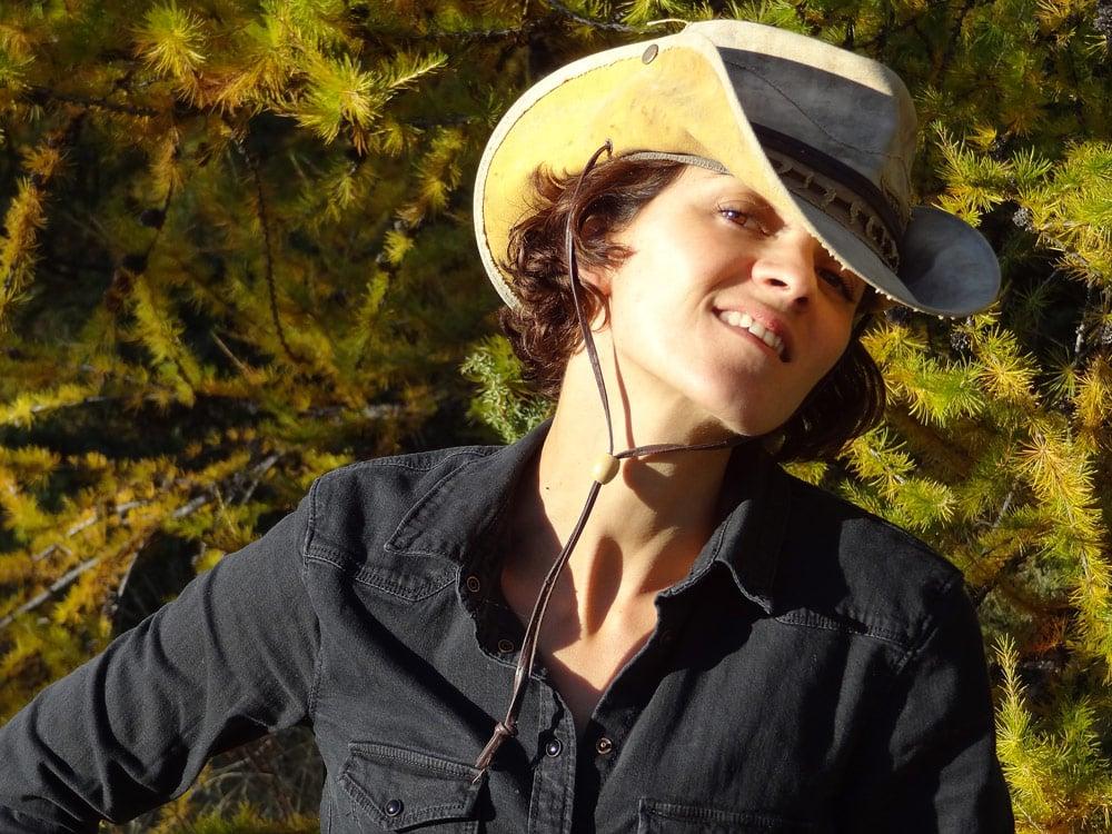 chemise zara et chapeau de cowboy