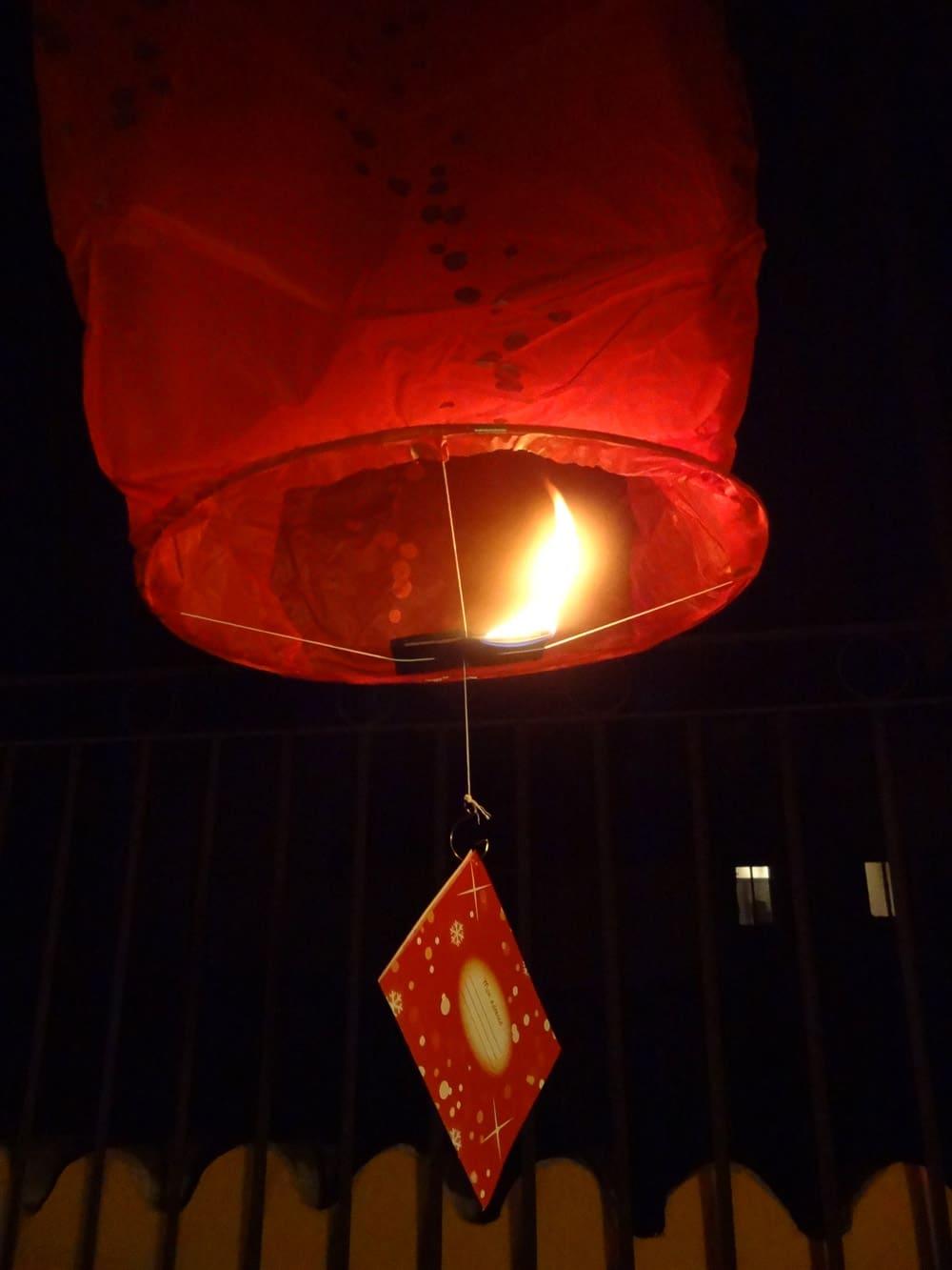 lanterne volante et lettre au Père Noël