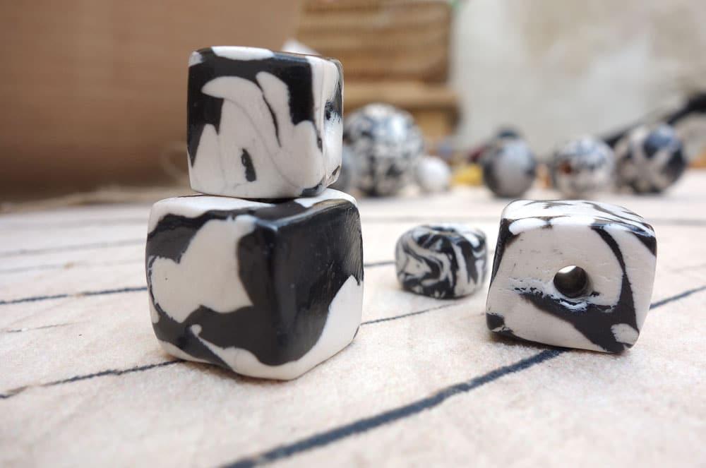diy decoration perles marbre ou marble pour pampilles de reveillon