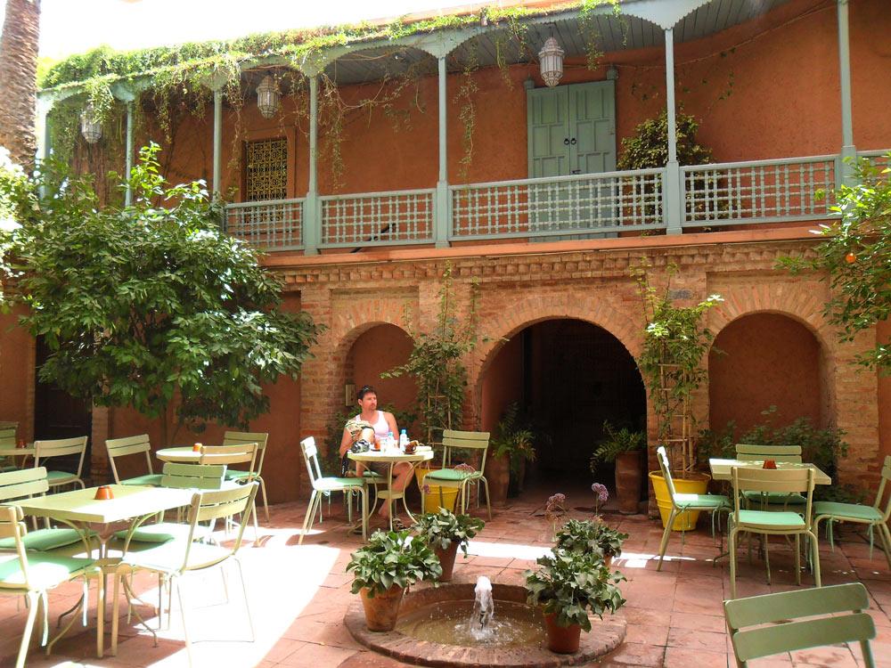 Jardin exotique marrakech majorelle ysl le blog for Cendres dans le jardin