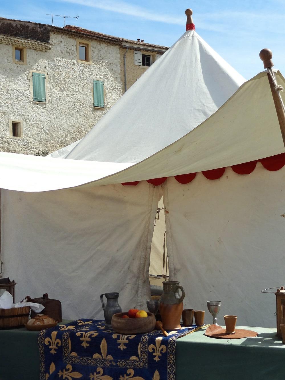 décors reconstitution medievale en Provence