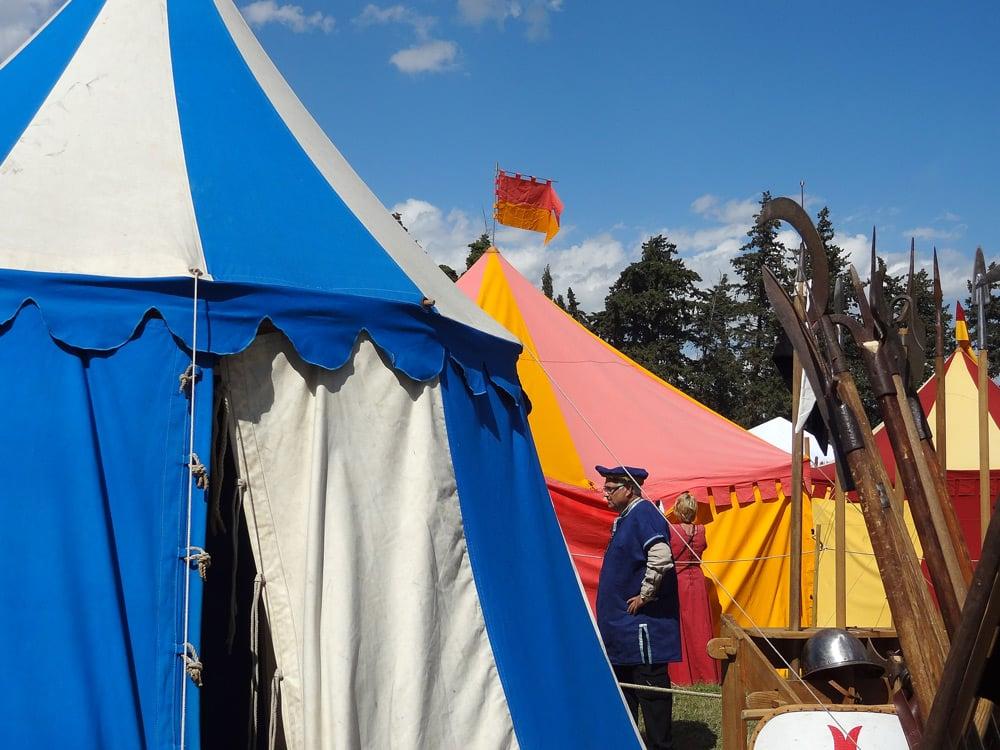 reconstitution d'un campement fête médiévale en Provence