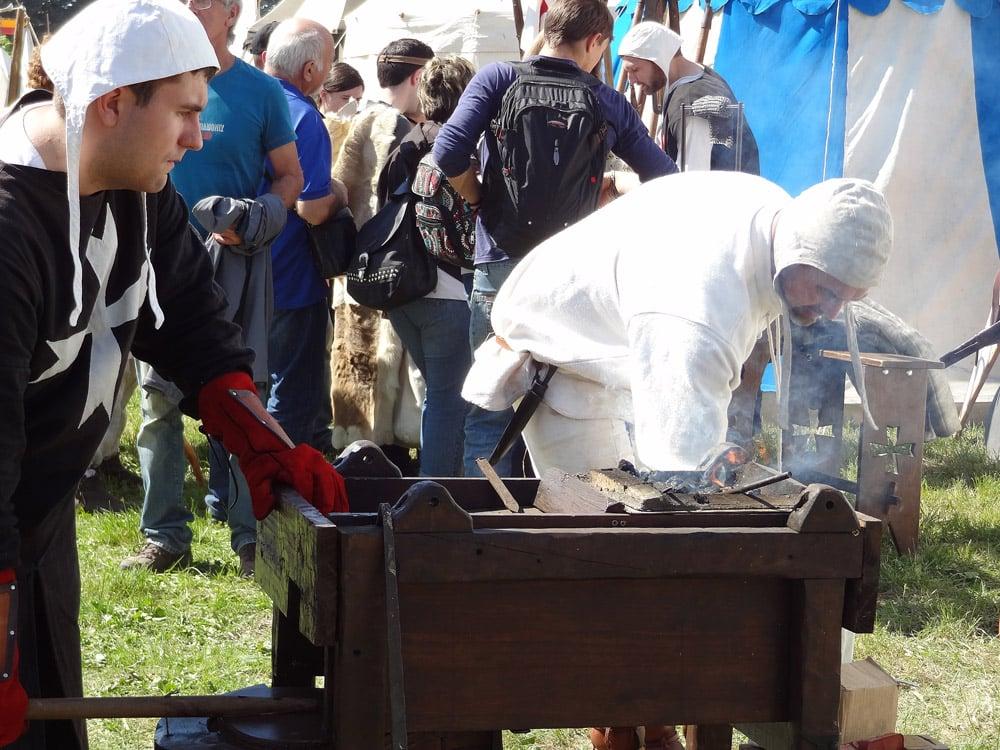 forgeron ferronnier moyen âge fête medievale en Provence