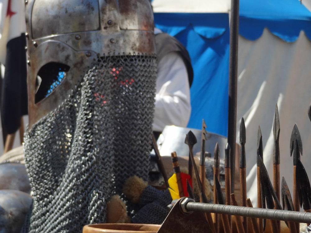 lances du moyen age pour la fête médievale en Provence