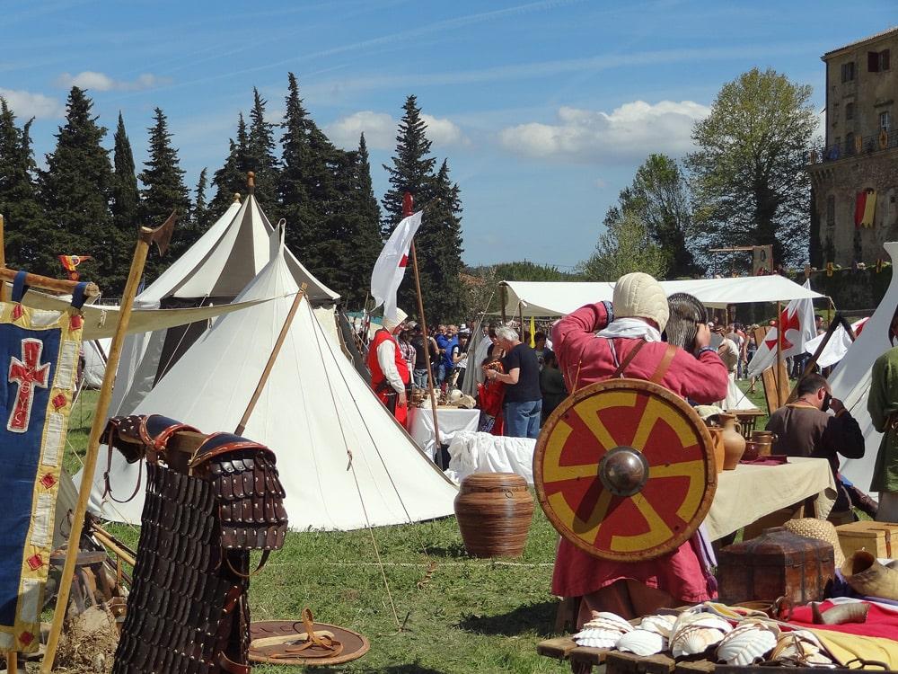 fête médievale en Provence peyrolles reconstitution vie Moyen Âge