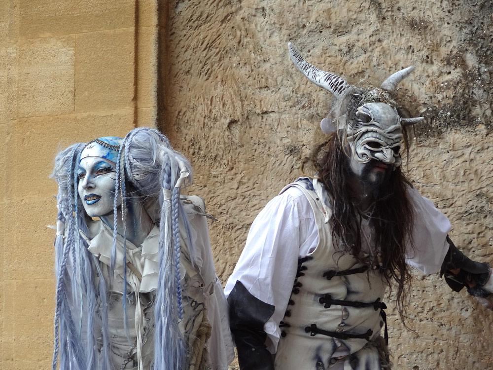 fete medievale en provence desmodium comediens Peyrolles