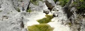 randonneur dans les gorges d'oppedette canyon de Provence