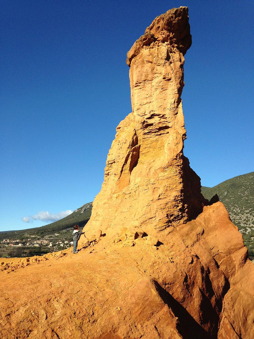 formations rocheuses de rustrel colorado provencal