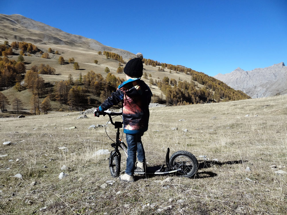 trottinette tout terrain descente alpes du sud