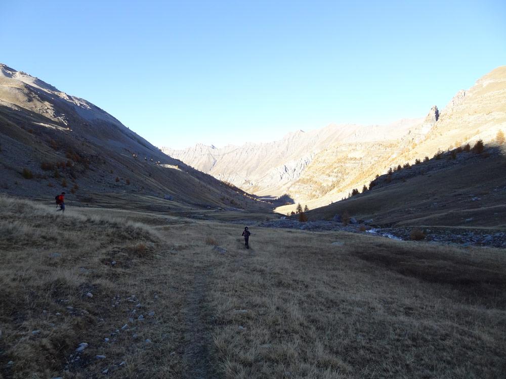 trottinette tout terrain dans les alpes ubaye