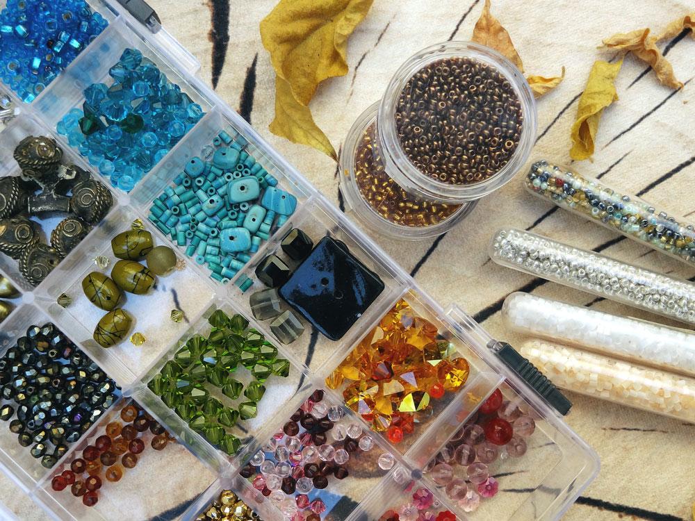 perles-rocailles-cristal-perles-fantaisie-diy-bague