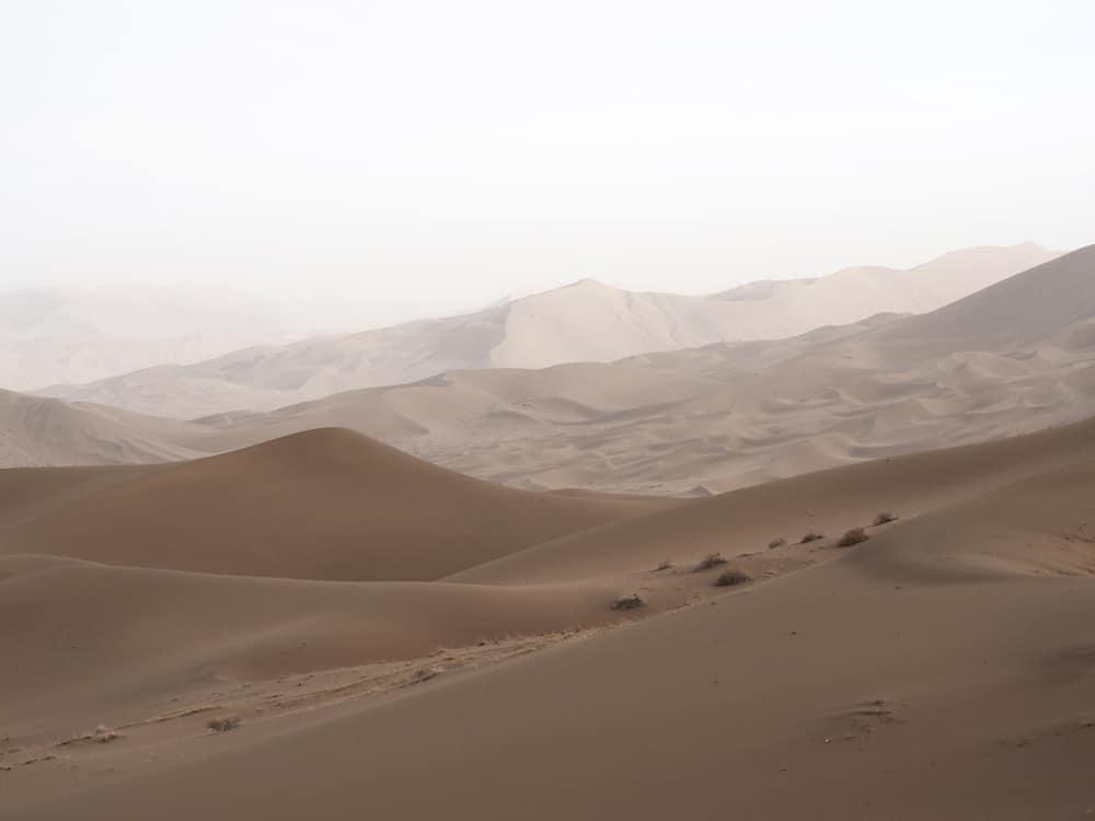 plus hautes dunes du monde desert chine badain jaran voyage