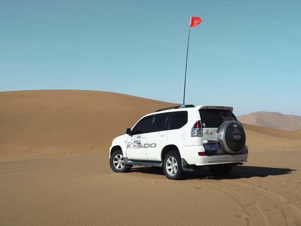 désert chinois transport-4x4 dans le desert Badain Jaran Badan Jilin
