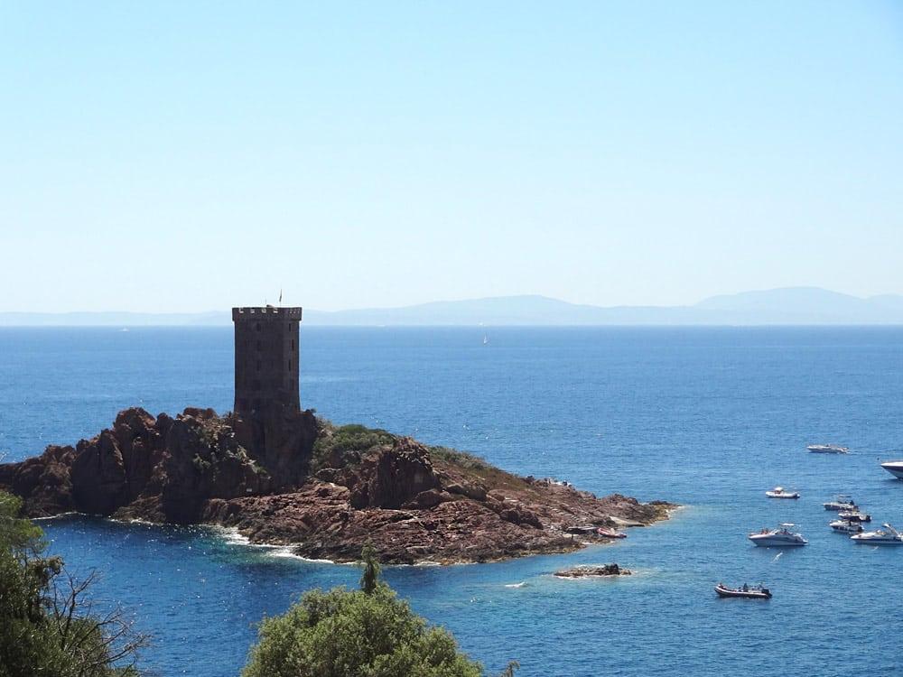 Tour Cap Dramont île d'Or St Raphael vacances