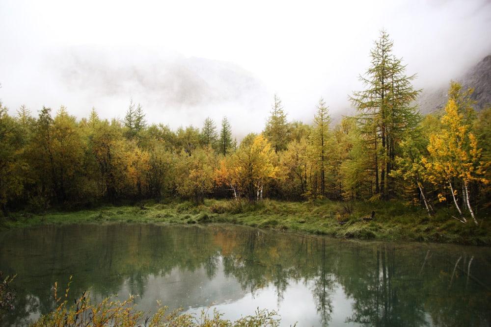 randonnée dans les Alpes la plus incroyable en Automne
