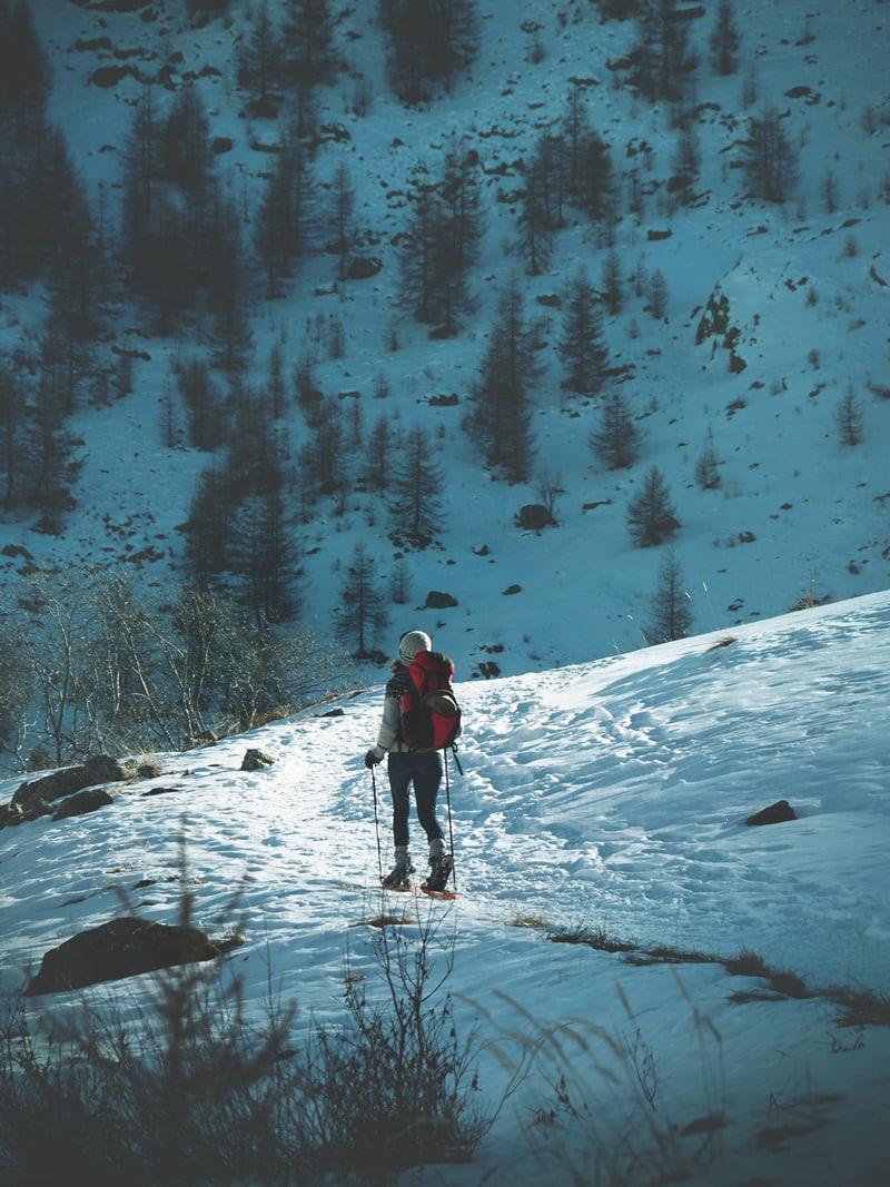faire des raquettes dans les Alpes conseils et avis