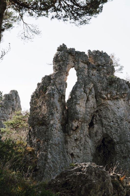 rochers ville en ruines Montpellier le Vieux