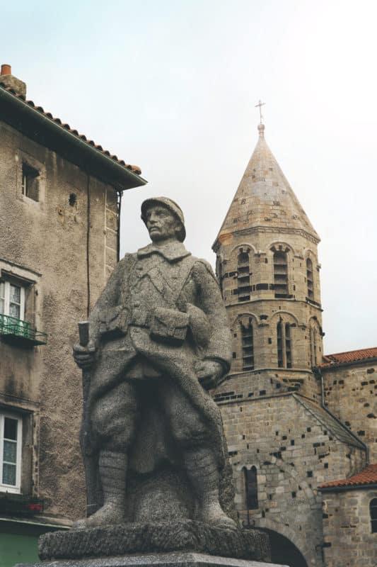 Monuments à Saugues en Gévaudan Auvergne