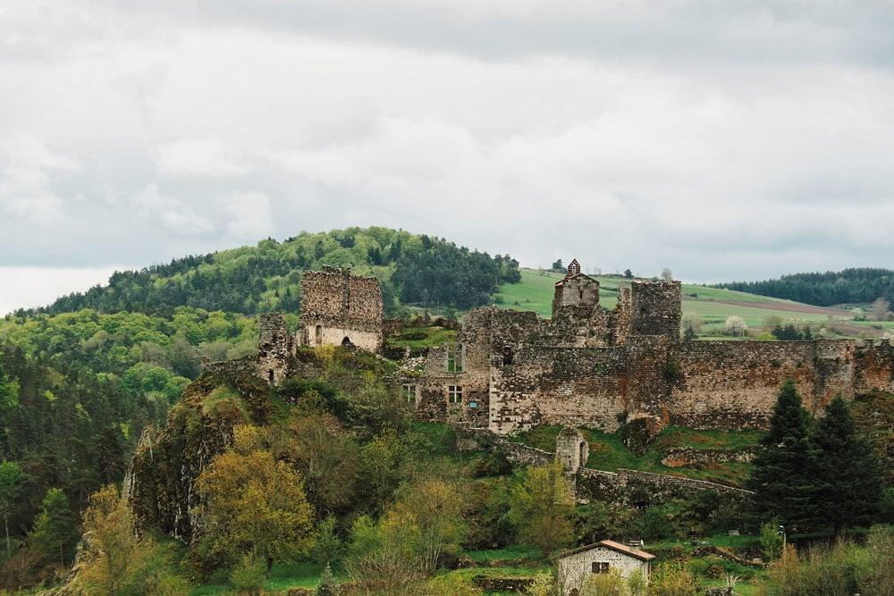 Ruines château Arlempdes Gorges de la Loire