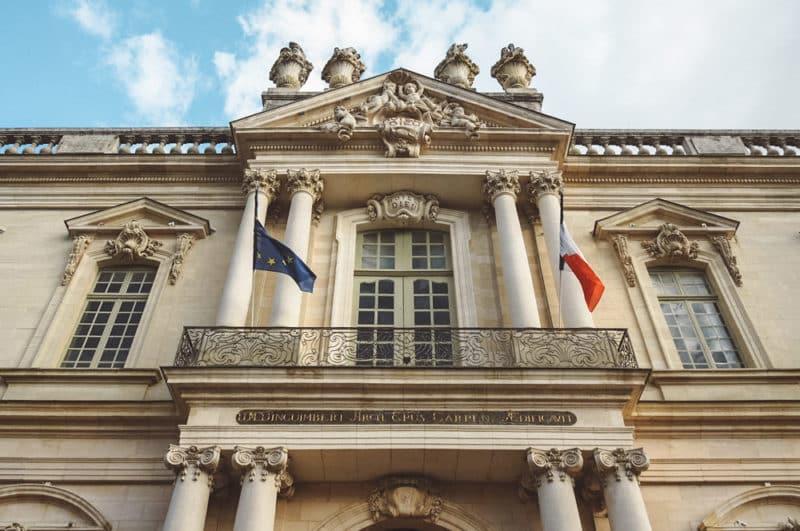 Visiter Hôtel-Dieu Carpentras bibliothèque musée