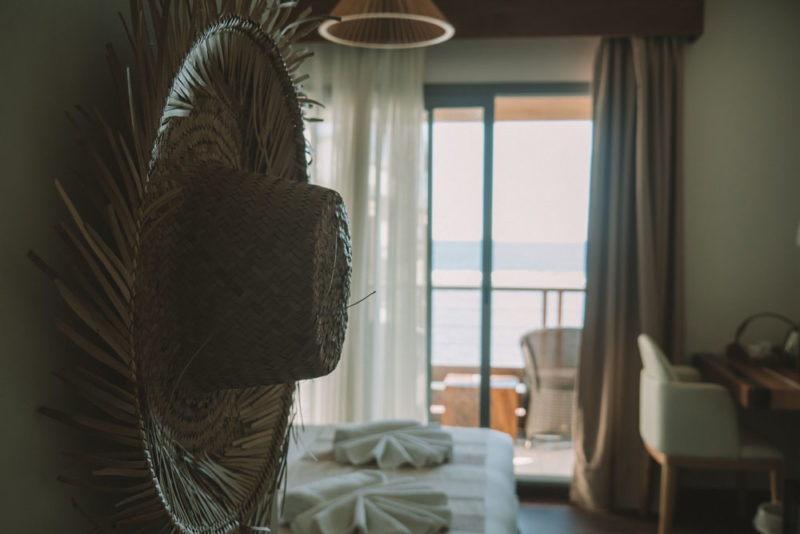 hôtel Saint-Pierre bord de mer battant des lames