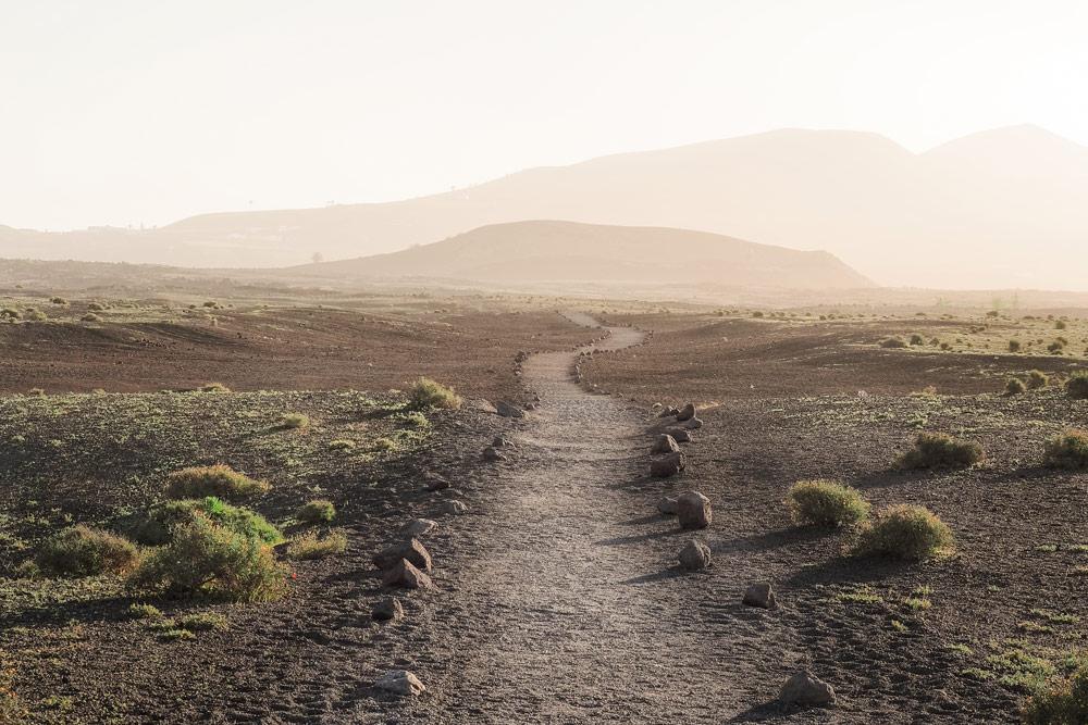 faire la route des volcans randonnées