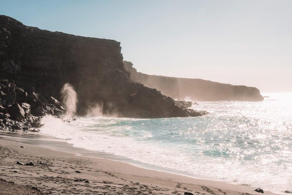 falaises proche los hervideros