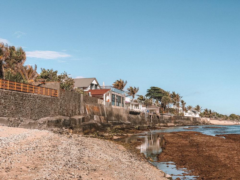 belle plage devant hôtel piscine Saint Pierre