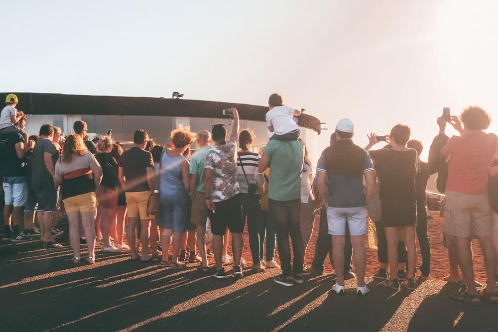foule de touristes montanas del fuego Timanfaya Lanzarote