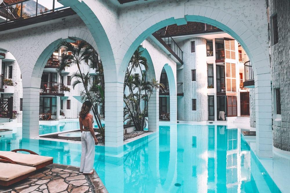 hotel luxe avec immense piscine face plage Boucan Canot