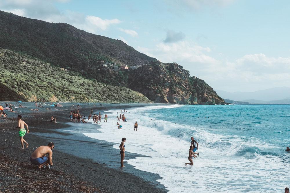 se baigner plage Nonza sable noir Haute Corse
