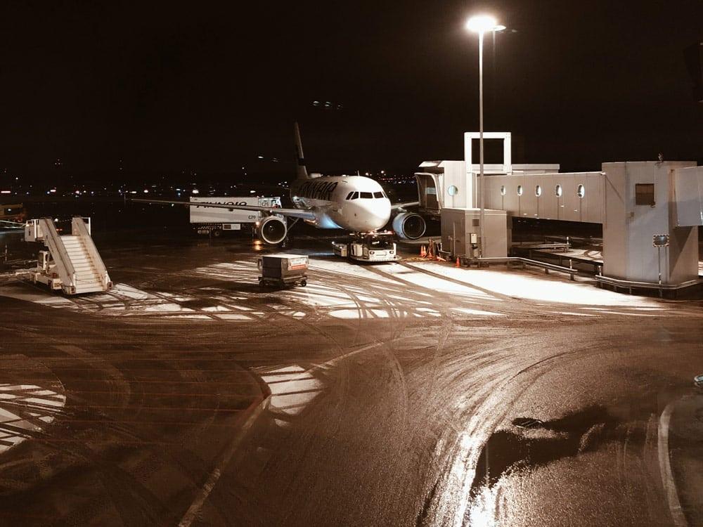 avion Finlande escale Helsinki