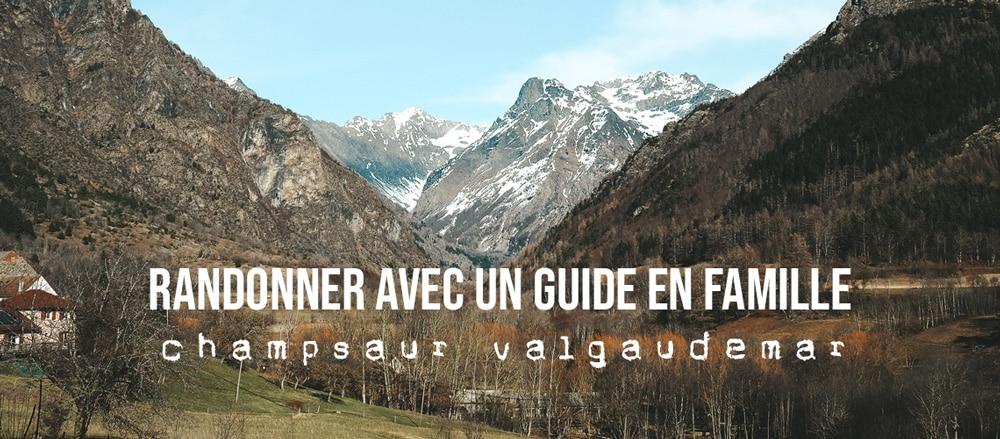 randonnée famille avec un guide montagne Alpes