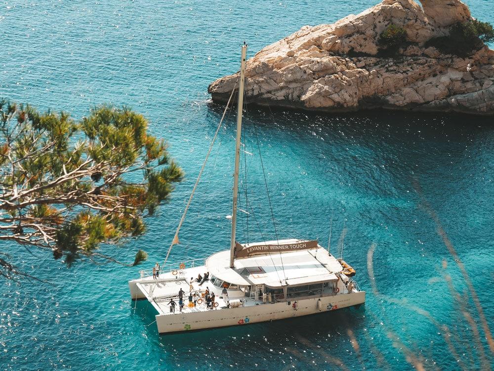 faire du voilier catamaran calanques de Marseille Cassis
