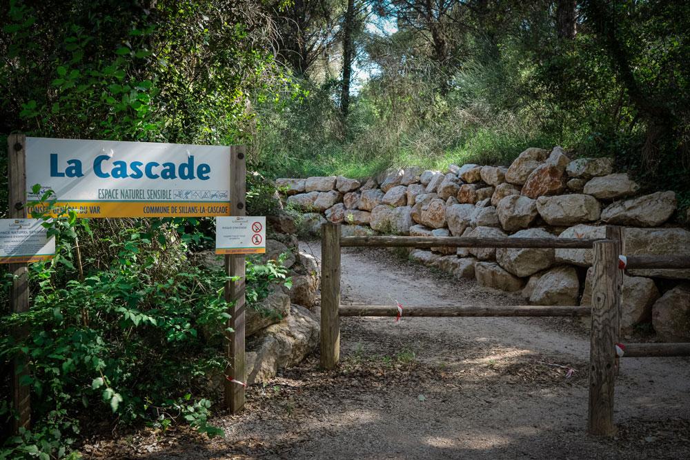 accès belvédère Sillans la Cascade