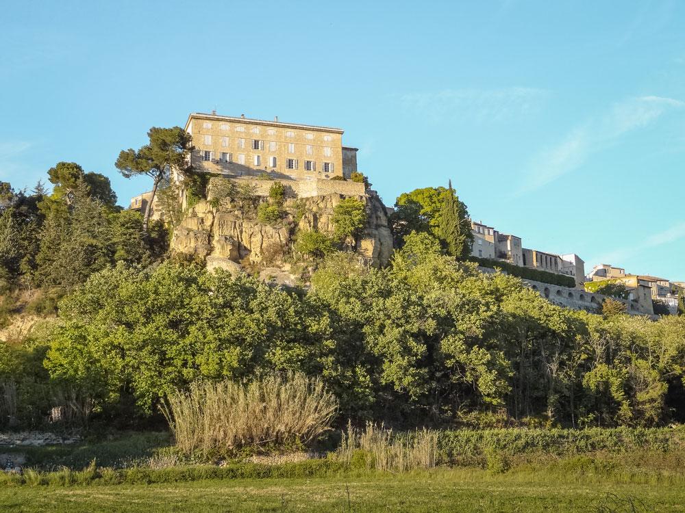 village du Luberon côté sud Lauris