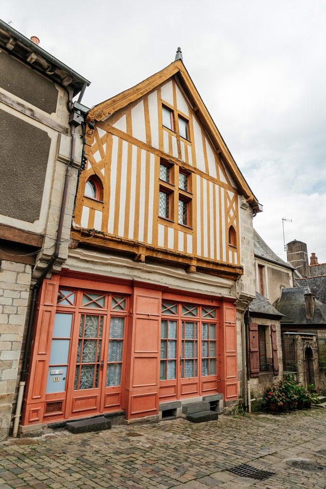 visiter centre historique villes autour de Rennes