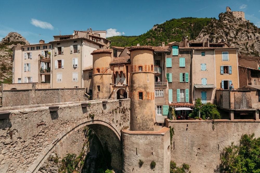 citadelle Entrevaux les plus beaux villages du Verdon
