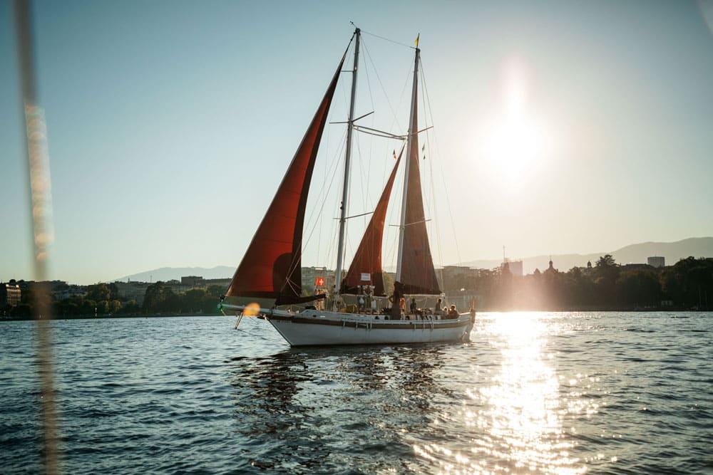 faire une balade en bateau sur le lac Léman Genève