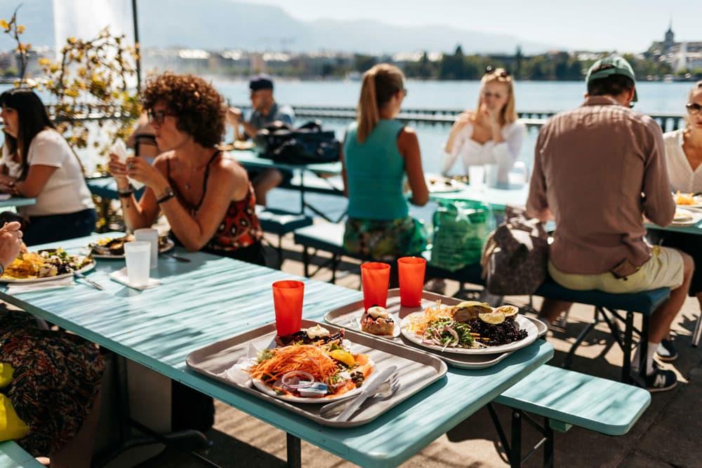 manger à la buvette Bains des pâquis Genève week-end nature à Genève