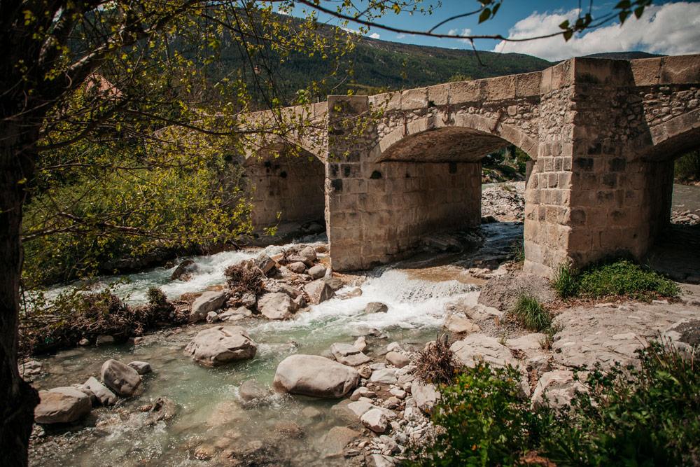 rivière Annot pont de pierre Verdon