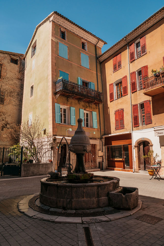 village de Provence coloré Verdon