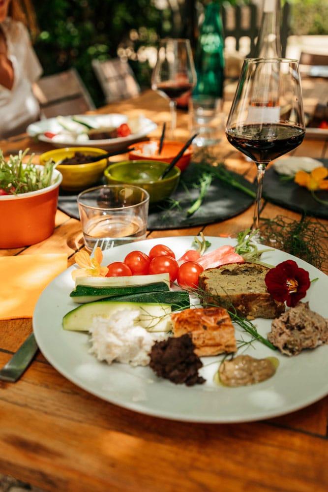 faire repas vigneron de Beaucaire des Mourgues