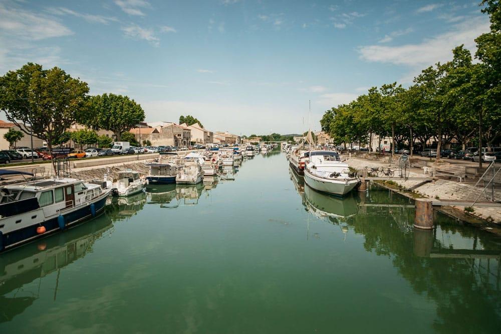 port de plaisance de Beaucaire canal Rhône à Sète