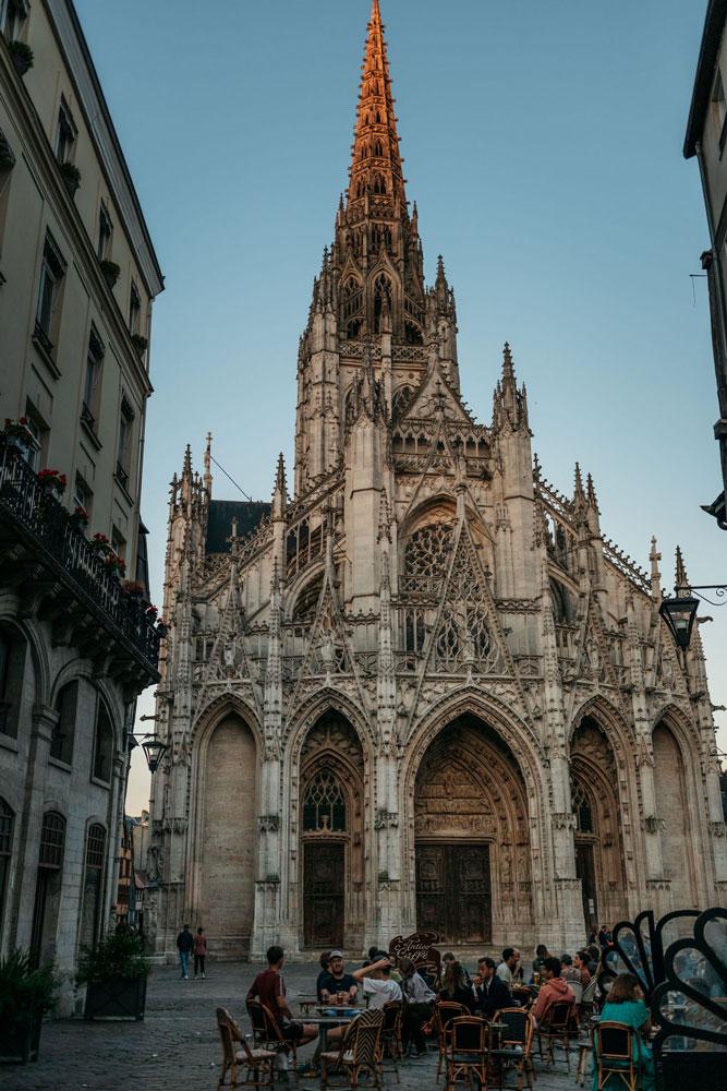quartier tendance Rouen église Saint Maclou