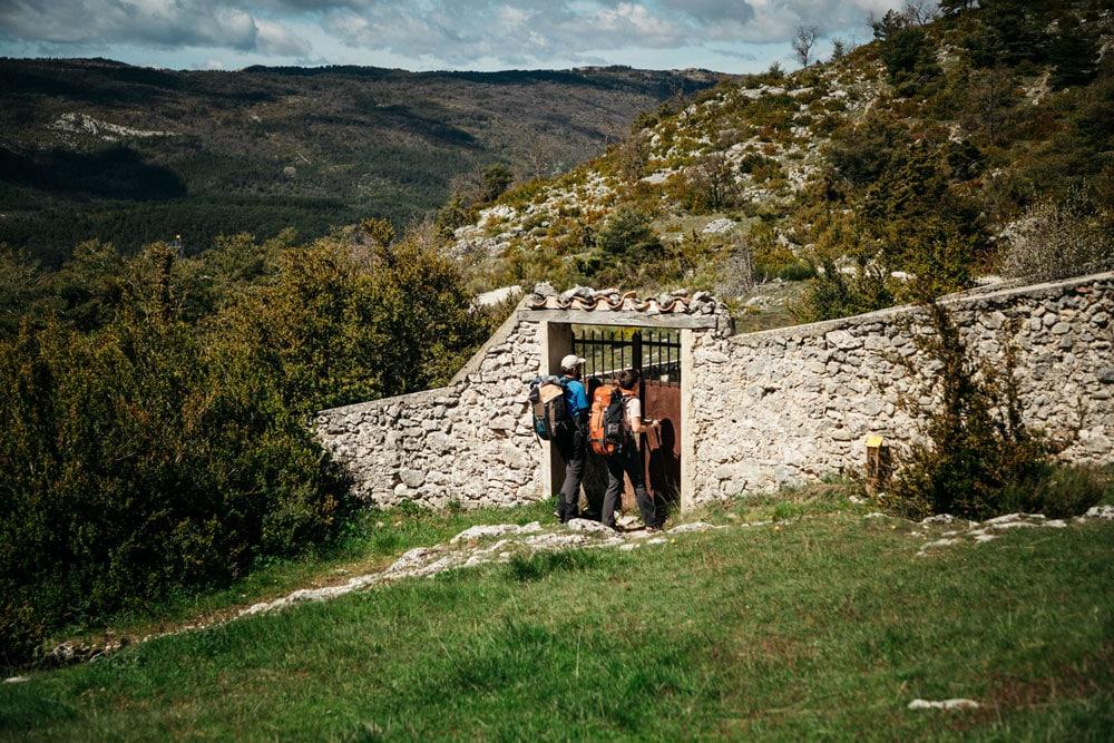 randonnées insolites du Verdon village abandonné Châteauneuf-les-Moustiers