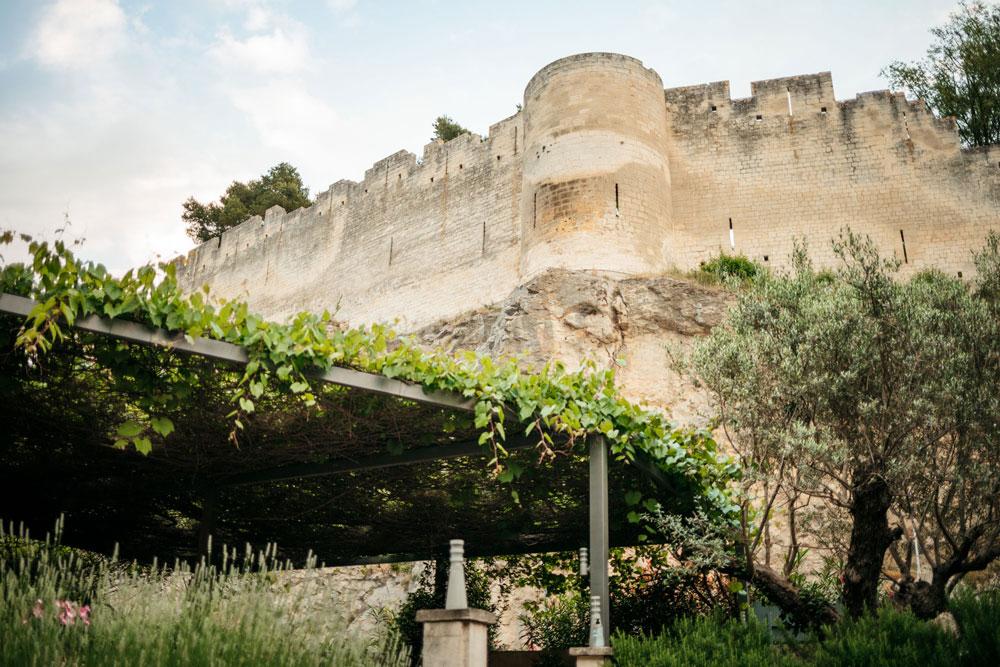 restaurant près de la forteresse de Beaucaire