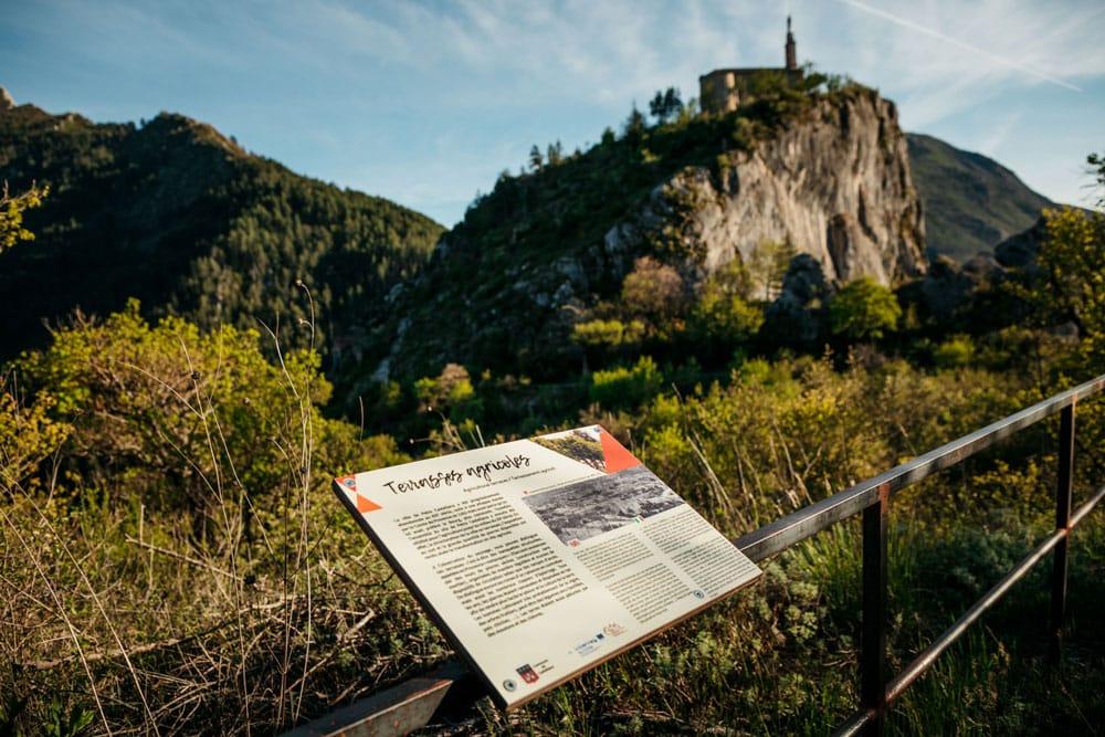 visiter village ruines Castellane