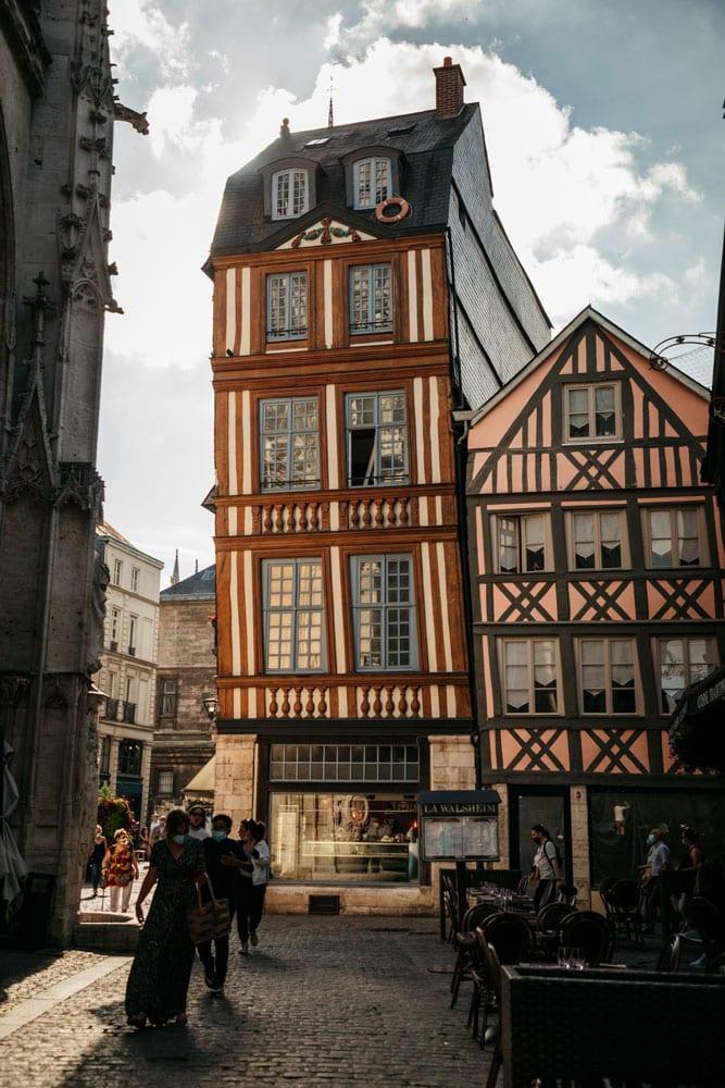 voir maison qui penche Rouen